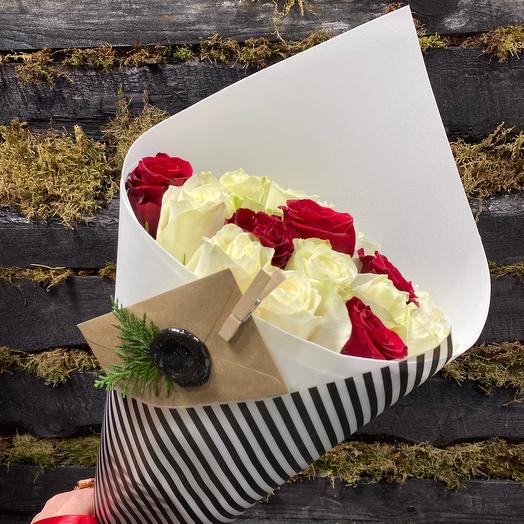 Букет Атена из 19 роз