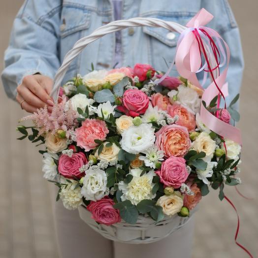 Delicate flower basket