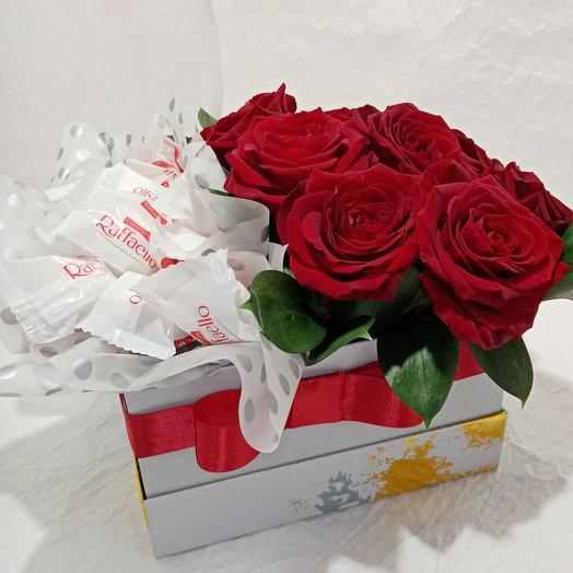 Цветы в коробке с Raffaello