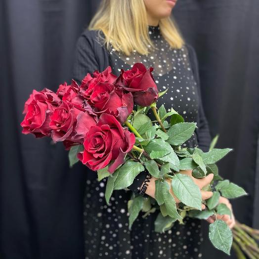 Букет из 7 красных длинных роз