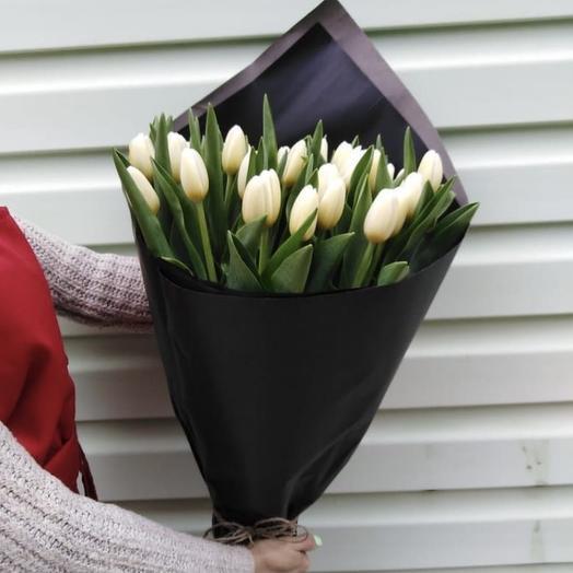 Монобукет из 19 тюльпанов