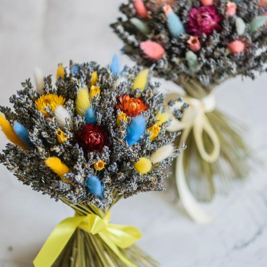 A bouquet of lavender with eucalyptus and Helichrysum