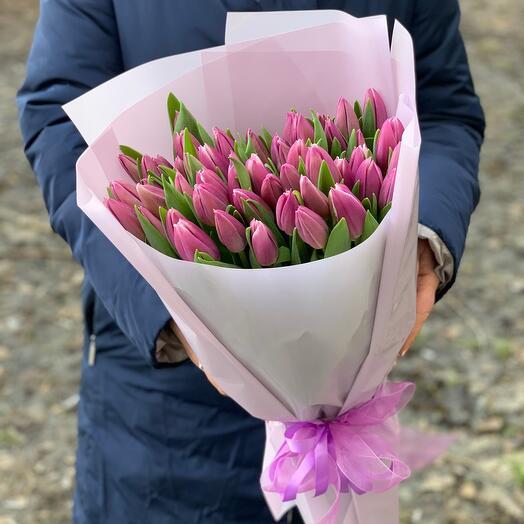 51 розово-фиолетовых Тюльпанов