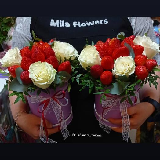 Коробочка с клубникой+розы