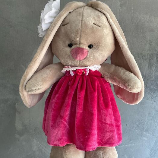 Зайка в розовом сарафане