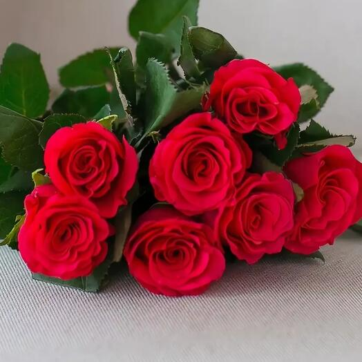 Моно букет из 7 роз