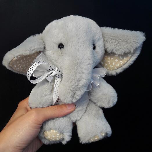 Слоненок Лилу