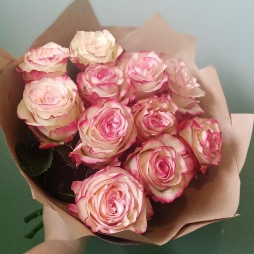 Букет из 11 роз редкого сорта Paloma