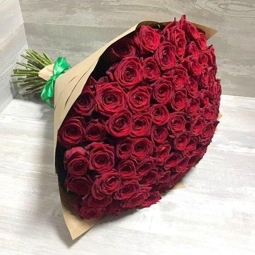 71 красная роза в Крафте: букеты цветов на заказ Flowwow