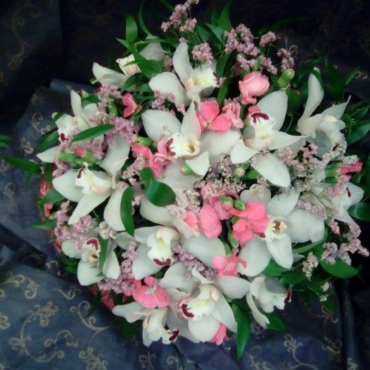 Орхидея с тесино от Floristic World.: букеты цветов на заказ Flowwow
