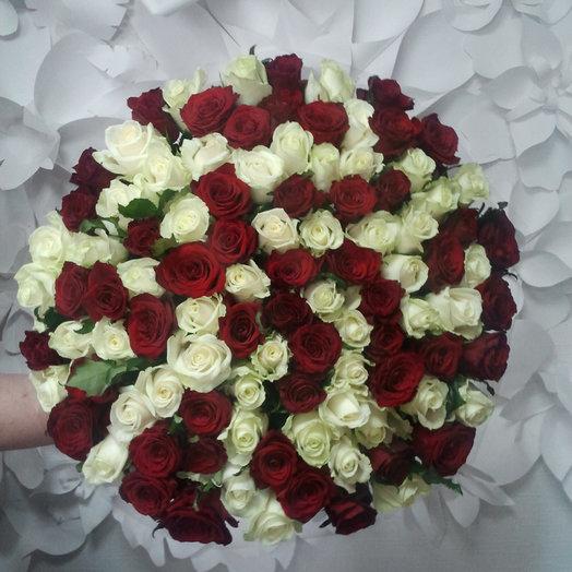 Красное и Белое 101: букеты цветов на заказ Flowwow
