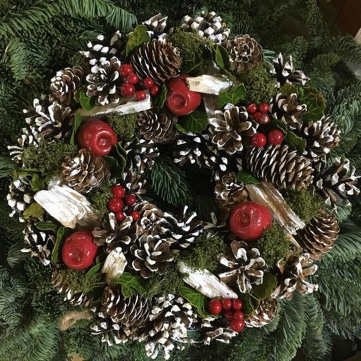 Новогодний венок из нобилиса: букеты цветов на заказ Flowwow
