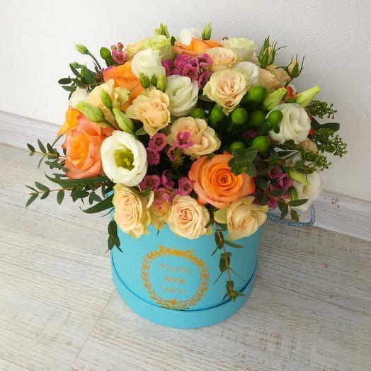 Коробочка с кустовыми розами: букеты цветов на заказ Flowwow