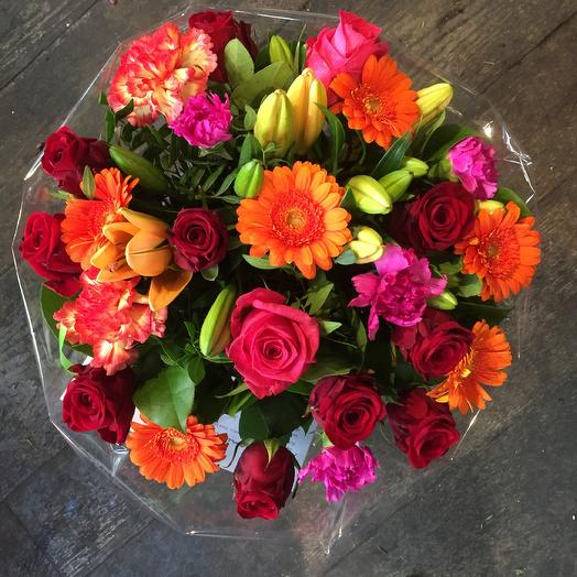 Mix bouquet in red orange fuchsia