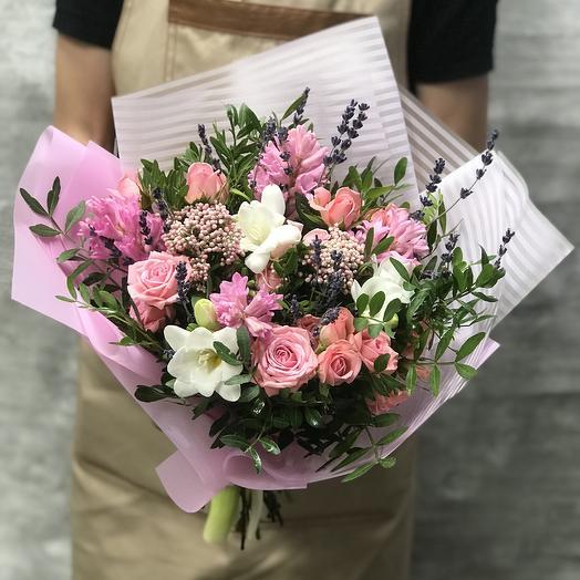 Букет с гиацинтами и розой: букеты цветов на заказ Flowwow