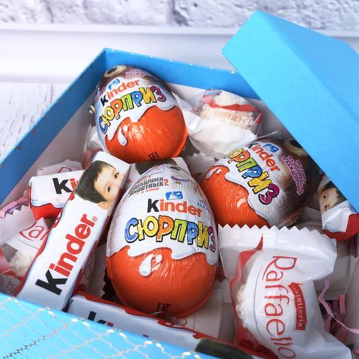 Коробочка со сладостями «Сюрприз»: букеты цветов на заказ Flowwow