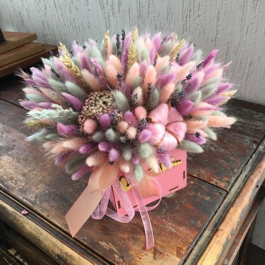 Стильный деревянный ящик с сухоцветами: букеты цветов на заказ Flowwow