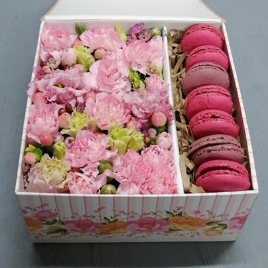 """Цветы и макаруны """"Розовые сны"""": букеты цветов на заказ Flowwow"""
