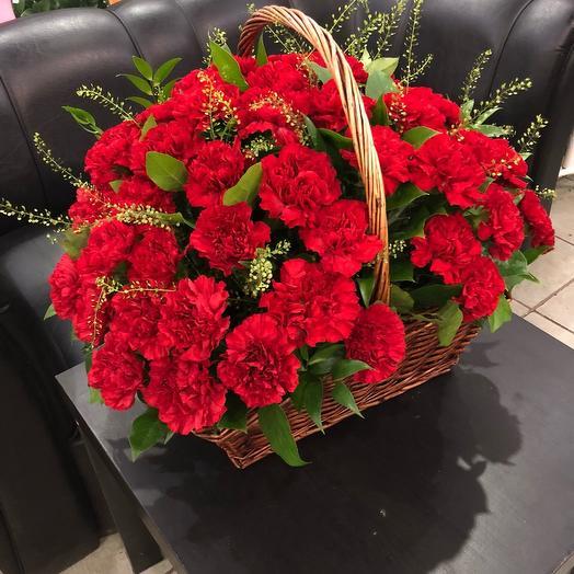 Корзина с Диантусом: букеты цветов на заказ Flowwow