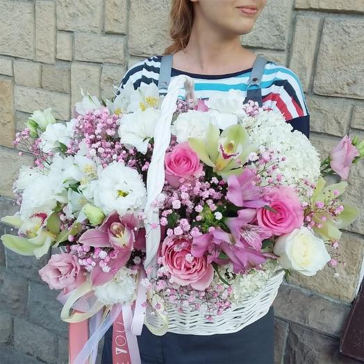 """Цветы в корзине """"Утро в Париже !"""""""