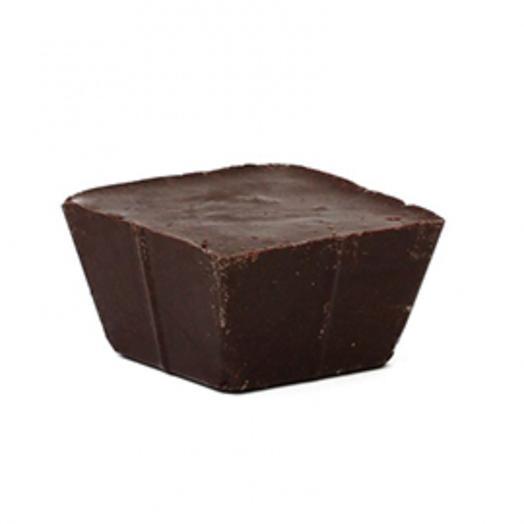 Темный горячий шоколад со специями