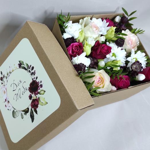 Цветы в коробке только для тебя