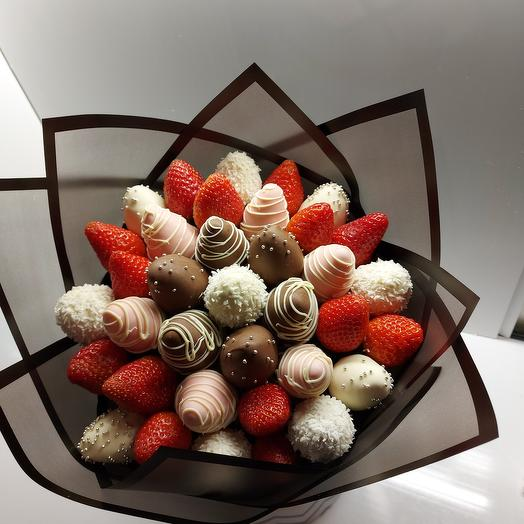 Bouquet of strawberries 1m