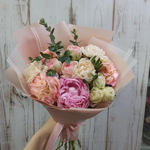 Нежнось с пионом, гортензией и пионовидной розой