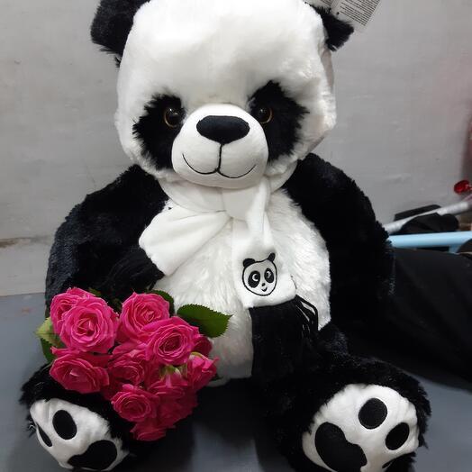 Панда с кустовой розой