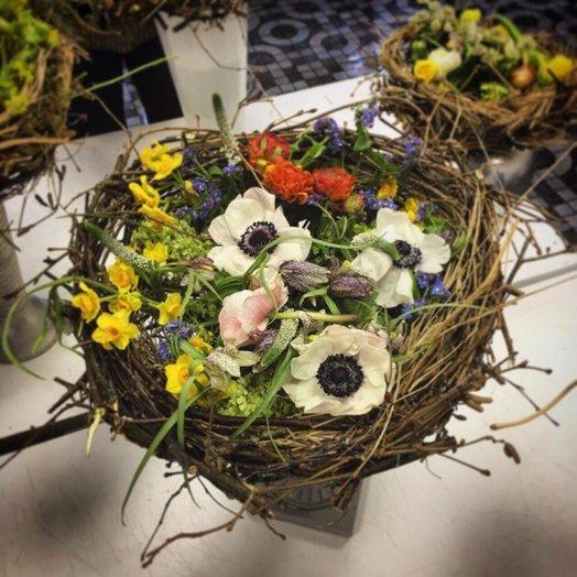 Весенний букет-гнездо: букеты цветов на заказ Flowwow