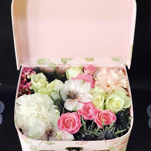 Сундучок с сюрпризом : букеты цветов на заказ Flowwow