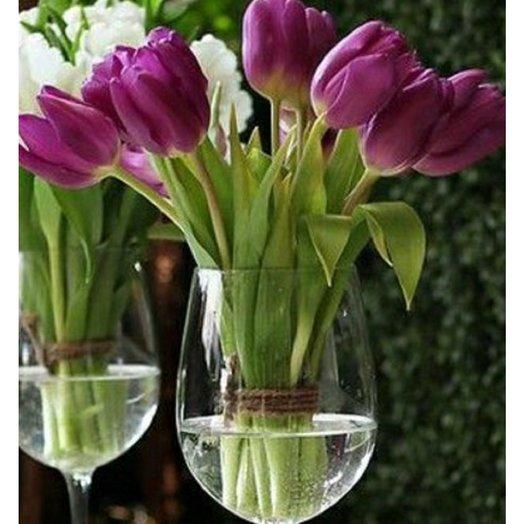 Тюльпан крупный в фужере: букеты цветов на заказ Flowwow