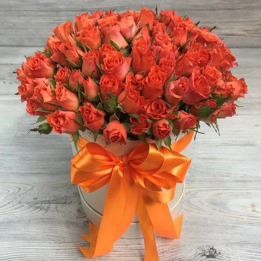 Коробки с цветами. Кустовые розы. N80: букеты цветов на заказ Flowwow