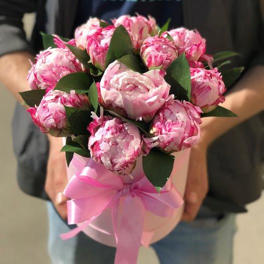 Пионы в коробке. 11 штук. N93: букеты цветов на заказ Flowwow