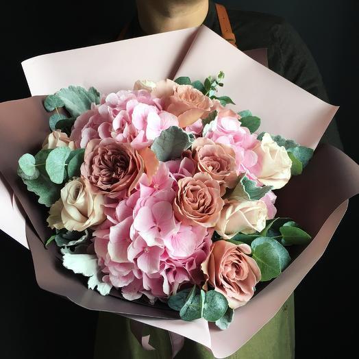 Букет с гортензией и пионовидной розой  : букеты цветов на заказ Flowwow