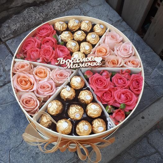 Шляпная коробка с нежными розами и конфетами к любому празднику