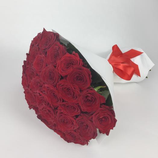 Букет из 29 красных роз White: букеты цветов на заказ Flowwow