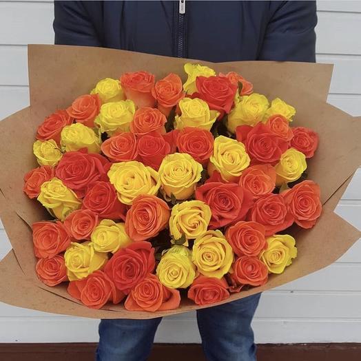 Букет микс из 51 розы: букеты цветов на заказ Flowwow