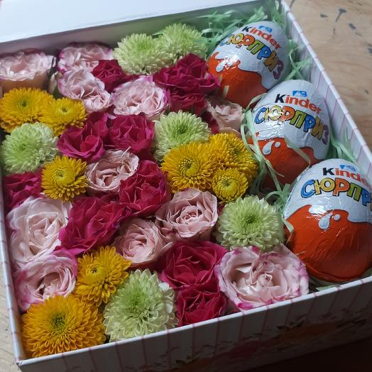 Яркая коробочка сюрприз: букеты цветов на заказ Flowwow