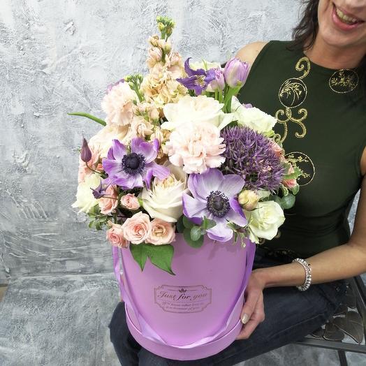 Садовые цветы в шляпной коробке: букеты цветов на заказ Flowwow