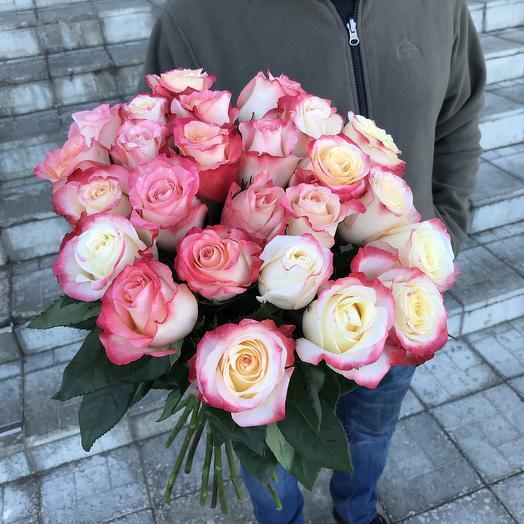 2х цветные розы: букеты цветов на заказ Flowwow