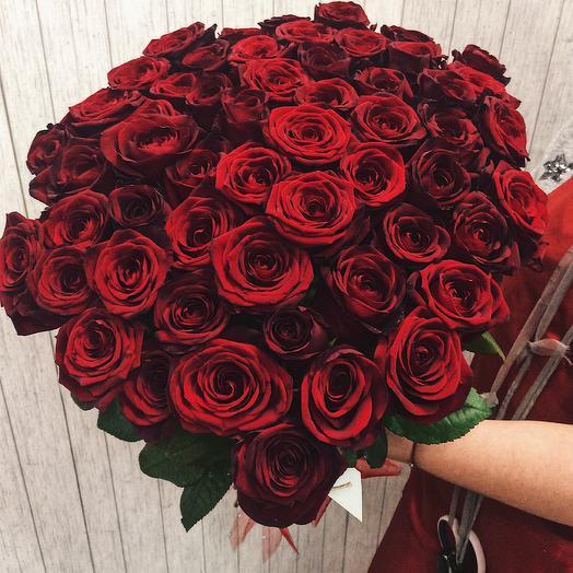 51 красная роза: букеты цветов на заказ Flowwow