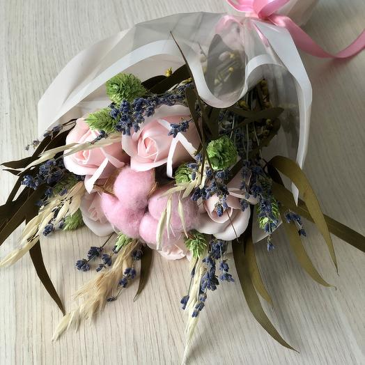 Букет из мыльных роз и сухоцветов: букеты цветов на заказ Flowwow