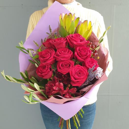 Современный букет из роз с прянами травами Магия Любви: букеты цветов на заказ Flowwow