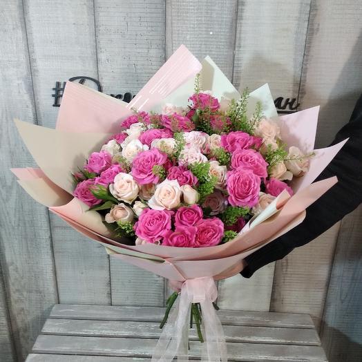 """Букет из кустовых роз """"Мамина радость"""": букеты цветов на заказ Flowwow"""