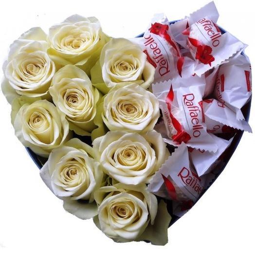 Коробочка с розами и Рафаэлло