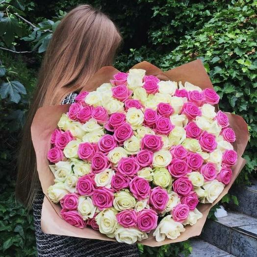 Букет 101 поцелуй в бело-розовом из белых и розовых роз Код 170080