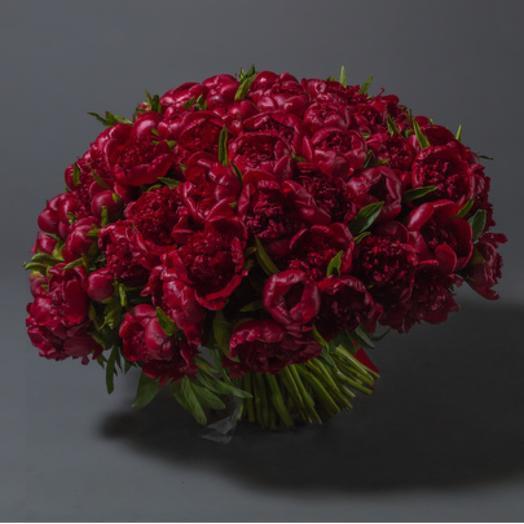 101 красный пион: букеты цветов на заказ Flowwow