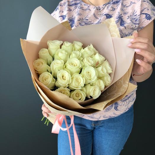 Lady Flowers — 21 белых роз в оформлении