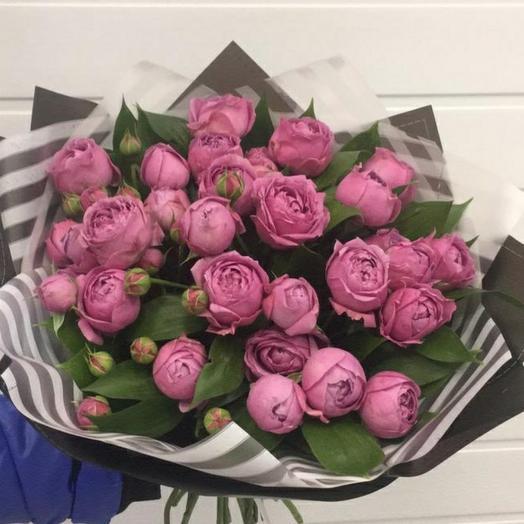 Букет  из пионововыдных роз